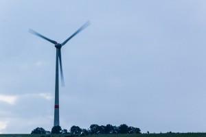 wind-turbine-414214_640